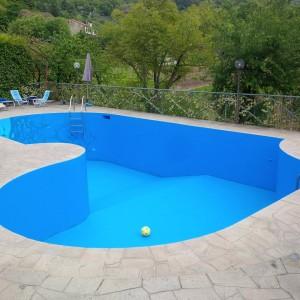 piscina dopo pulitura
